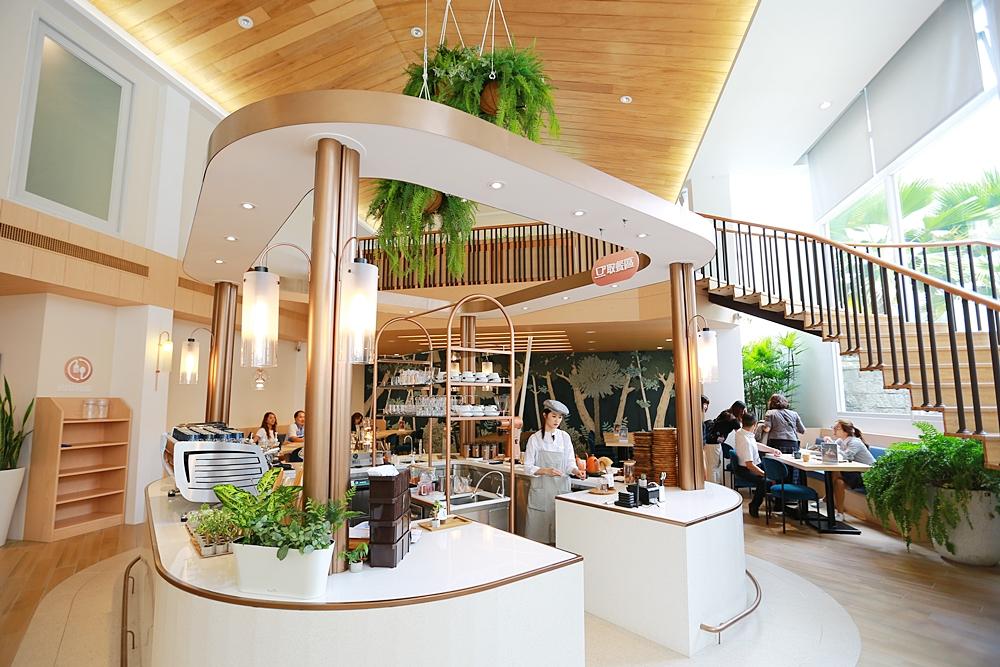 【台中南屯區】kafeD德勒斯登河岸咖啡~新開幕!公益路旁超質感咖啡廳來襲,快約姊妹來拍好拍滿!