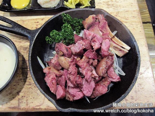 【台中北區美食】TGB很牛炭燒牛排台中學士店~用名車當烤爐,超推薦德國豬腳