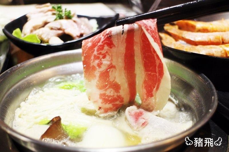 【台中美食】湯頭鮮甜用料實在的雪花牛肉鍋、海龍王海鮮鍋,現在還推出免費下午茶喔~錢都日式涮涮鍋西屯旗艦店