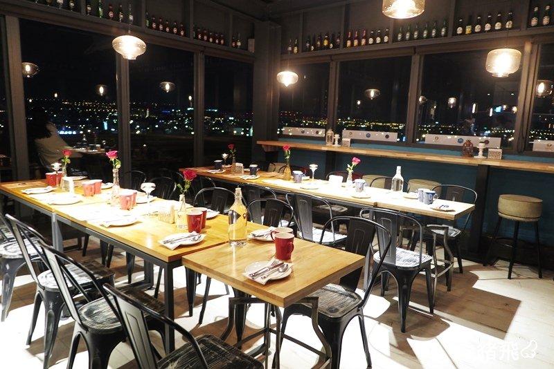 【台中住宿】鄰近逢甲商圈卻格外寧靜的設計旅店,美麗夜景酒吧餐廳約會首選~默砌旅店 Hotel Cube